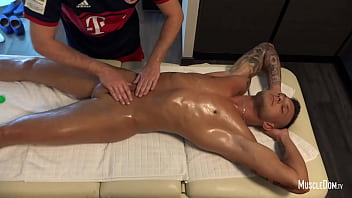 Hunk massage
