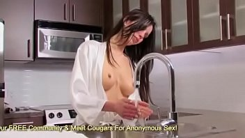 MILF Angelina Is So Horny She Stimulates Her Pussy In The Sink