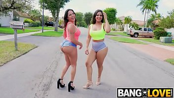 Ass Parade - Julianna n Rose
