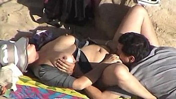 Mature fuck on hidden beach cam
