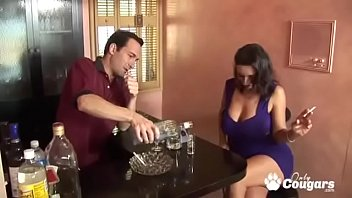 Mature Babe Persia Has A Body Made For Fucking