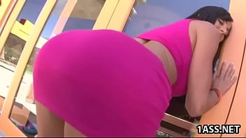 Kendra Lust with oiled ass