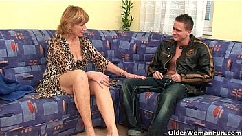 Grandma pussy her Saggy fucked hairy gets
