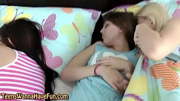 Amateur teen muffdived