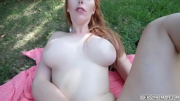 Outdoor sex with sexy MILF Lauren Phillips
