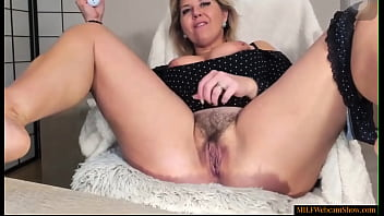 Beautiful Mature Webcam Model With Hairy Pussy
