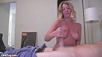 Amateur handjob vid with hot Milf and nice big cock getting handjobbed.