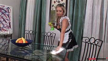 Cleaning the table leads to intense blowjob showdown with hot maid Daria Glower