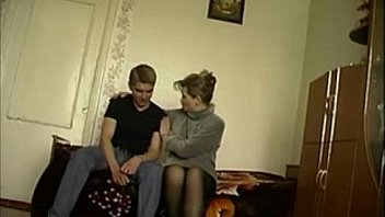 Russian milf gets creampied in homemade