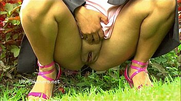 Amateur Latina Beatriz Public Nudity And Squirting-pic8023