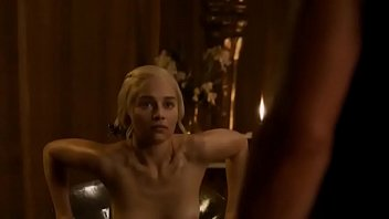 GOT HOT MOMENTS EMILIA CLARKE CAMSLUTTYGIRLS.COM