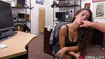 Amateur Victoria Banxxx Trades Sex For a Laptop on XXXPawn (xp15463)