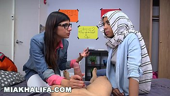 Video porn new BJ Lessons with Big Tits Arab Queen Mia Khalifa in TubeXxvideo.Com