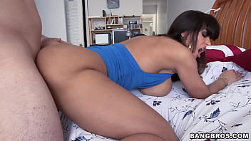BANGBROS - Big Tits Cougar Lisa Ann Taking Dick Like A Champ