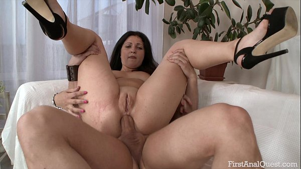Anal sex leaves my girls butt whole open