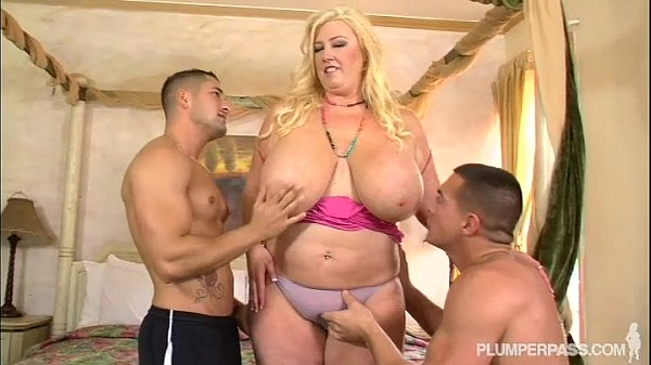 Sexy PAWG MILF Marcy Diamond fickt Ohrstecker