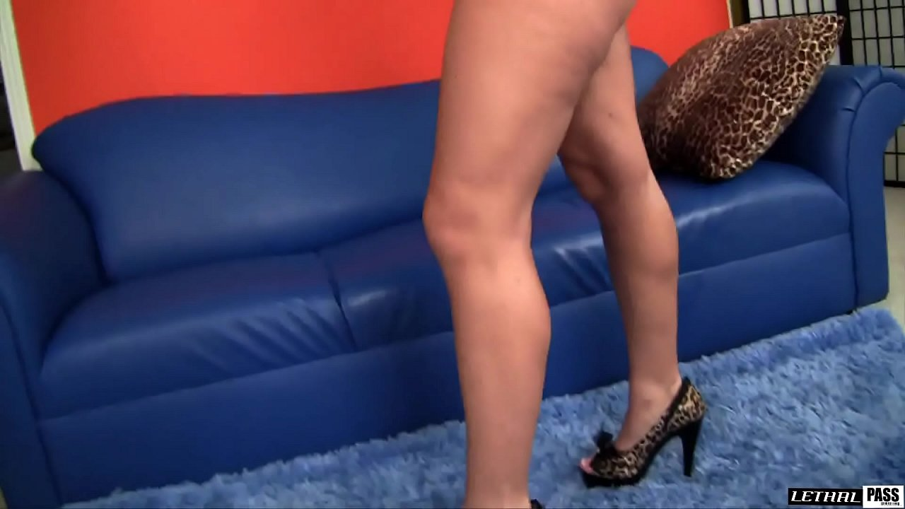 Horny Welsh PAWG Sophie Dee Gets Plowed by some REAL AMERICAN DICK