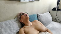 Milf secretary and vegetables in wet mature cun...