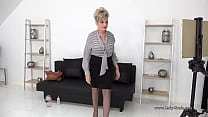 Busty MILF in lingerie recaps her date with a b...
