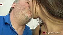 My first ONE NIGHT STAND: Spanish BRUNETTE Cami...