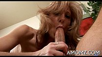 Older babe gives a insane ride