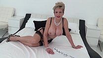 Jerk off instructions from a gorgeous busty blo...