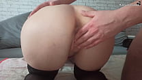 Masseur Jerks Pussy To Cutie And Fucks Her Dild...
