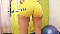 Amazing Bubble-Butt Teen Working-Out. Puffy Cam...