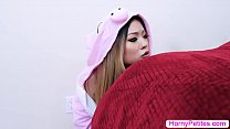 Teen asian change her clothes and sneaks into s...