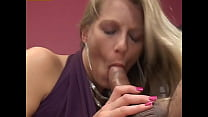 MILF want to have some intense and deep penetra...