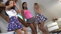 3 Girls Booty Shaking at its Best for 10´s of M...