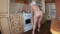 Big ass stepmom pleases stepson with blowjob an...