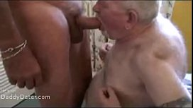 Silver daddies desperate for a piss