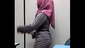 Hijab Sex In The Office