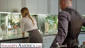 Bunny colby fucks her client to ensure she gets the house sold