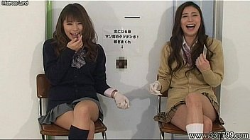 Japanese femdom give handjob and cunnilingus to slave for cash.