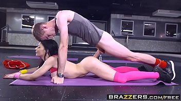 brazzers big tits in sports sophia laure and danny d sweaty ass workout