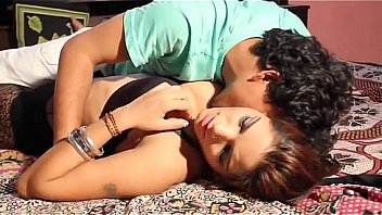 Shruti Bhabhi hot romance with lover