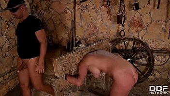 Ropes, whip & anal penetration makes blonde subby Sienna Day scream and cream a lot