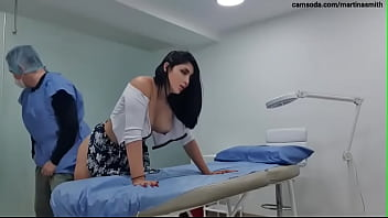 I go to the doctor appoiment and he cum inside of my pussy