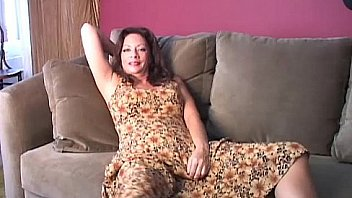 Saucy old spunker loves to fuck her fat juicy pussy 4 U