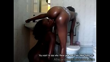 2 Hot African babes fuck like filthy animals in the shower