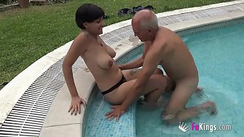 It's thime for Vivi to fulfill her last fantasy. She's going to fuck a guy old enough to be her grandpa!