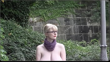 saggy tits braless in public