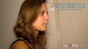Ainara makes a banker happy... She makes a visit to the Discretas.es apartment... You can do some dirty things here!