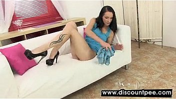 sexy girl pissing