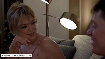 Dee Williams gets fucked by hung stud who has a thing for older women