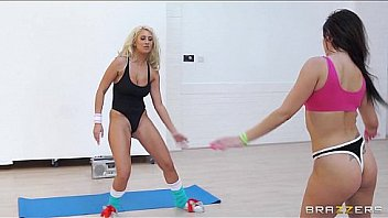 hot-girl-sexy-aerobic-sex
