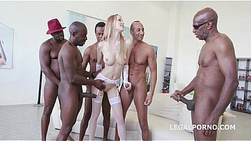 Belle Claire gangbang med BBC...