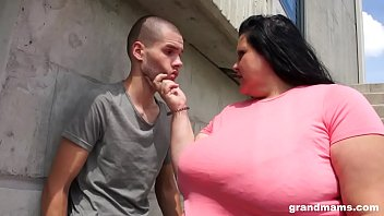 BBW granny sucks and gets ass licked by teen boy